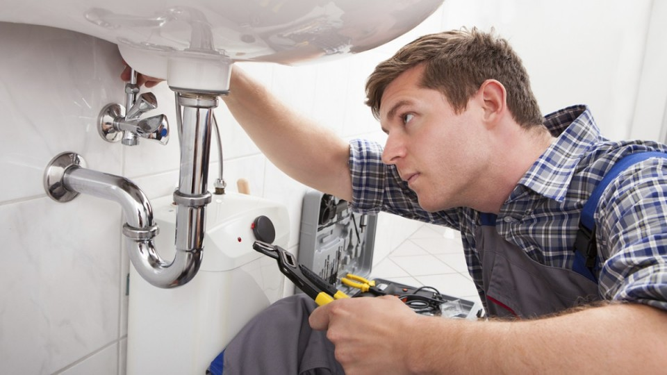 A Specialist in Emergency Plumbing | Leak Detection